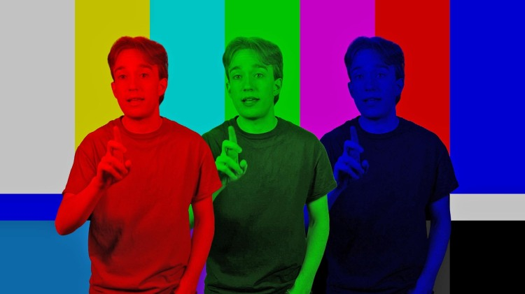 Tom Scott Explains How Chroma Key Composite or 'Green Screen' Effects Worked Before the Age of Computers