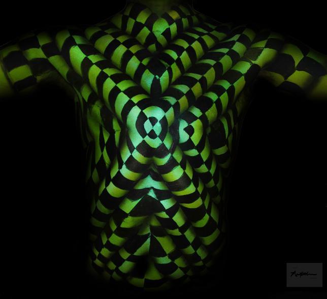 3D Illusion Body Art by Natalie Fletcher