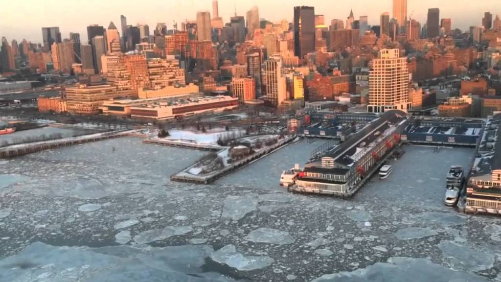 Beautiful Footage of a Helicopter Ride From New Jersey Over the Frozen Hudson River and Into Manhattan