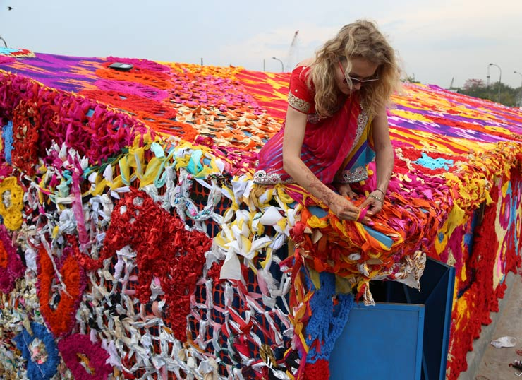 Olek Covers a Homeless Shelter in New Delhi With Crocheted Yarn to Highlight the Issue of Poverty