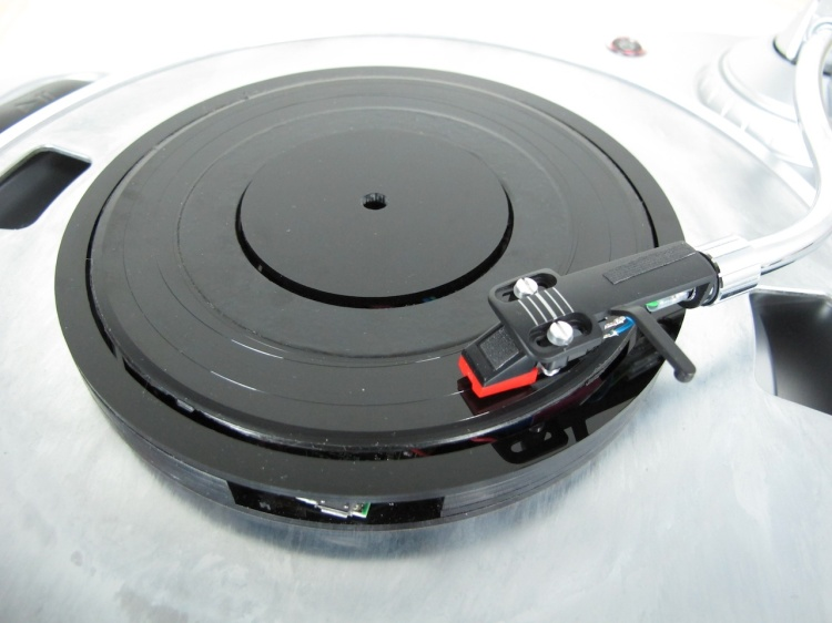 Universal Record Plays Digital Audio on a Turntable