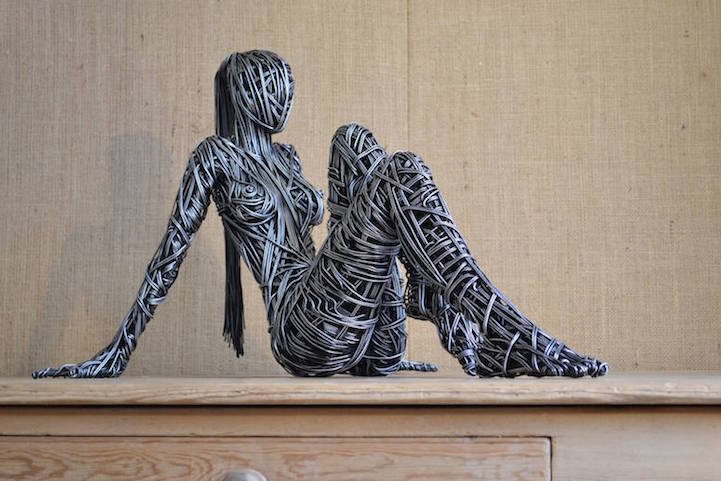 Metal Wire Figure Sculptures by Richard Stainthorp