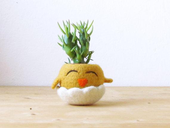 Felt chick planter