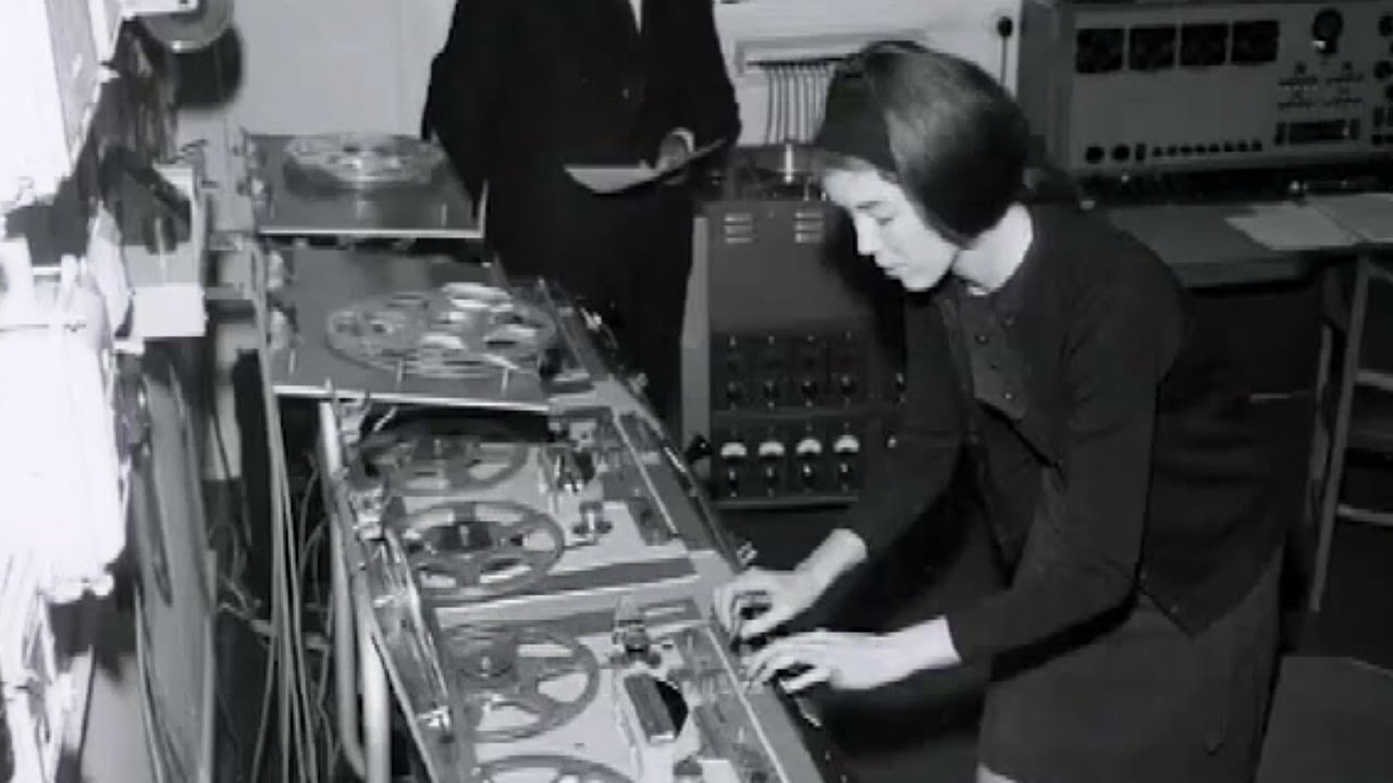 Dick Mills Delia Derbyshire Of The Bbc Radiophonic Workshop Circuit Board Picture Frame Geekery Pinterest Describe How They Created Iconic Doctor Who Theme