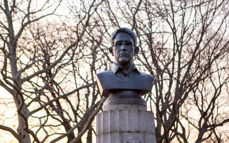 snowden statue 1