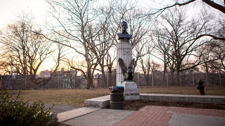 snowden statue 3