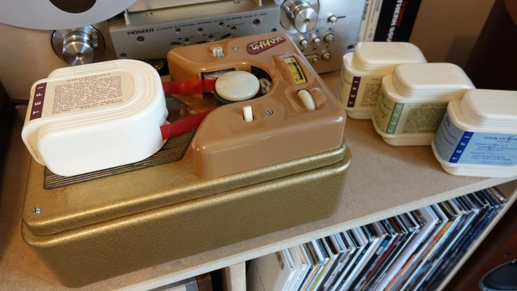 Tefifon, A Little-Known Cartridge-Based German Music Player From the 1950s