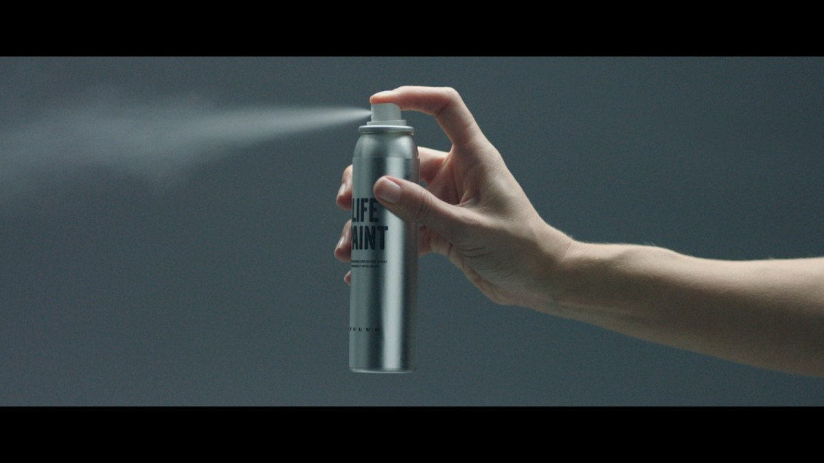 Volvo lifepaint safety spray paint for cyclists that is for Spray paint safety
