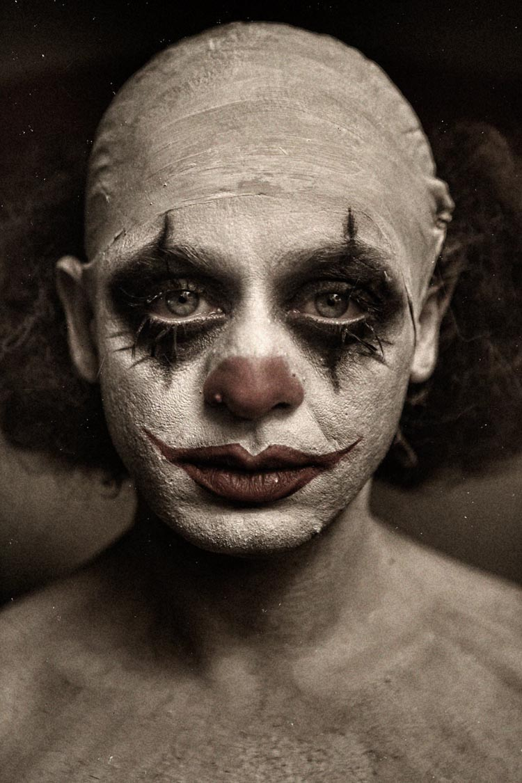 'Clownville', A Nightmarish Photo Series Featuring Menacing Clowns