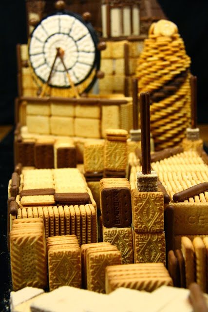 Big Ben Anamorphic Sweet Art close up