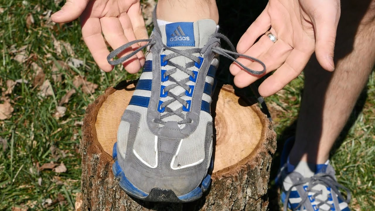 How to Prevent Blisters While Wearing Running and Hiking Shoes With a  Shoelace Loop Lock