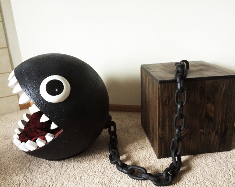 Chain chomp cat bed without cat