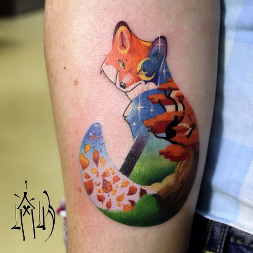Strikingly Colorful Pixel And Glitch Tattoos - Artist creates amazing animal tattoos with digital pixel glitches