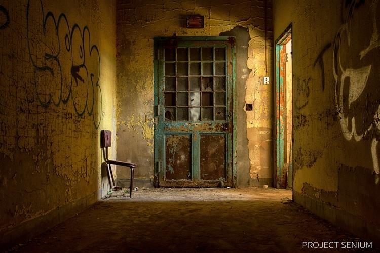 Project Senium door