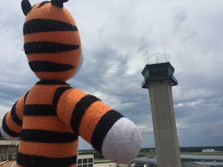 hobbes airport adventure 7
