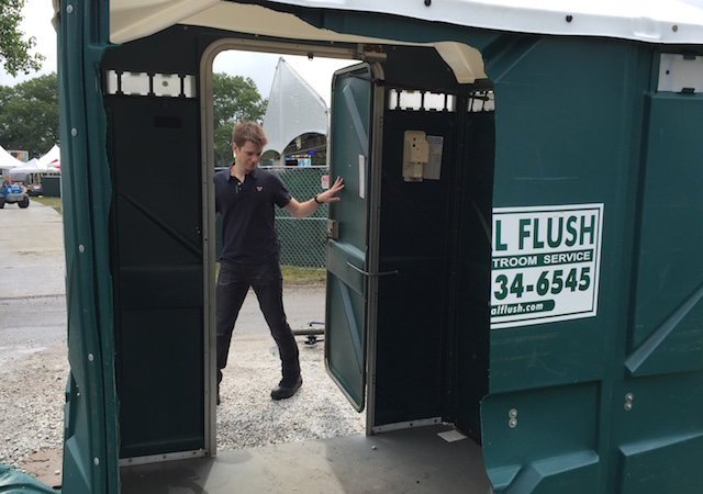 magic porta potty 3
