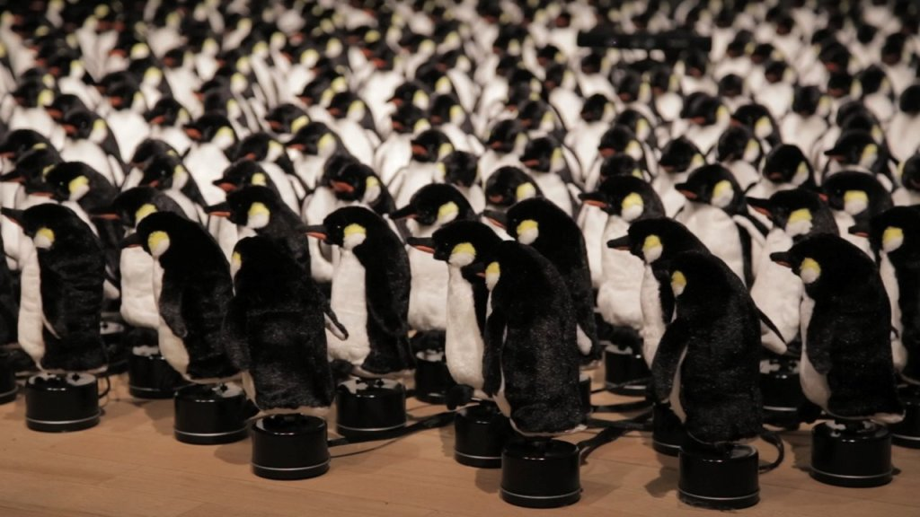 'Penguins Mirror', An Interactive Installation Featuring 450 Motorized Toy Penguins