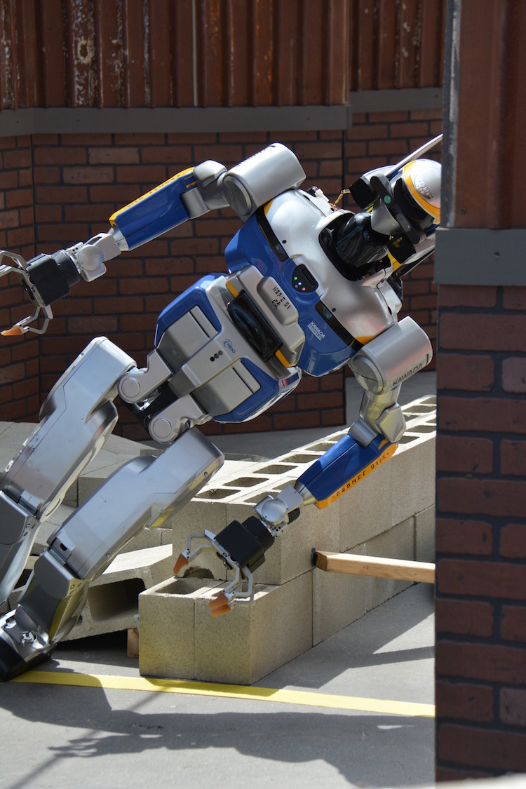 An Amusing Compilation of Anthropomorphic Robots Falling Over at the DARPA Robotics Challenge