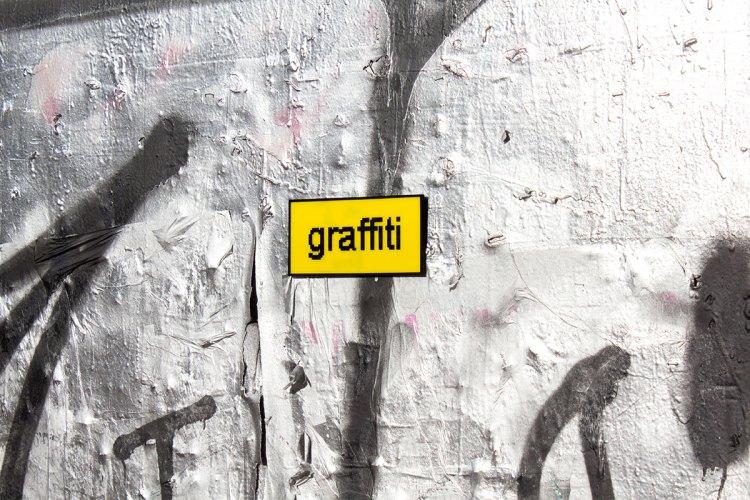 alternate text graffiti