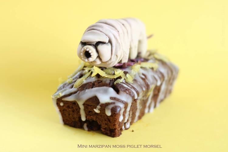 Mini Marzipan Moss Piglet