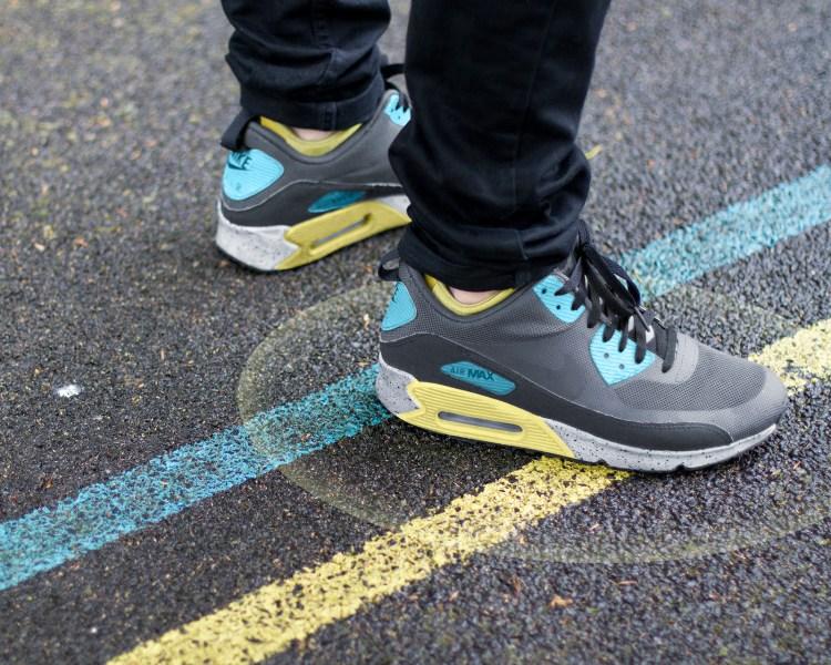 shift sneaker 1