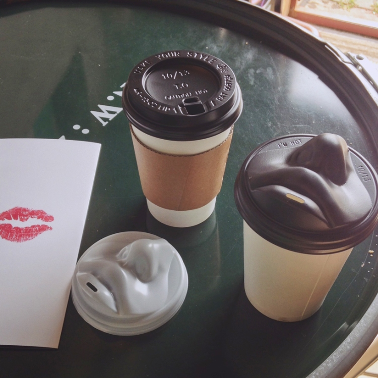 Kiss Coffee Lid