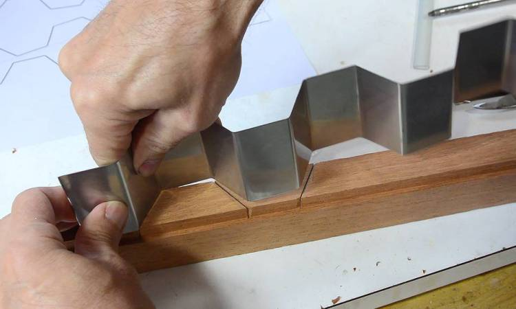 Shaping Knife