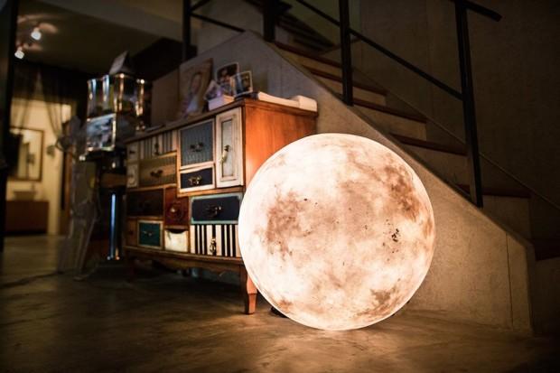 Large Luna Lamp