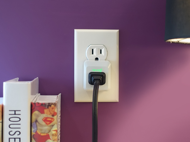 Revogi Smart Meter Plug in use