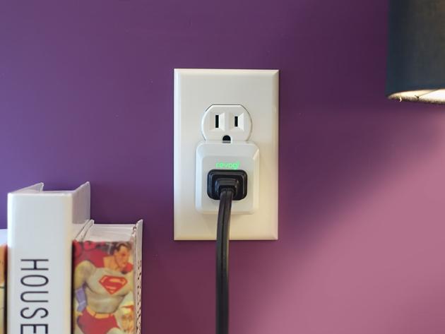 Revogi Smart Meter Plug in use