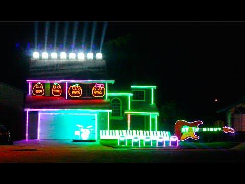 An Incredible Halloween Light Display Synced to Disney Villains Songs