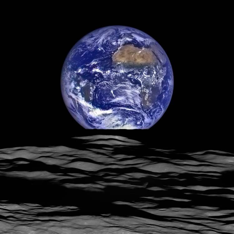 2015 NASA Earthrise