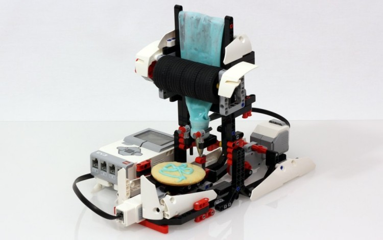 LEGO Mindstorms Cookie Icer