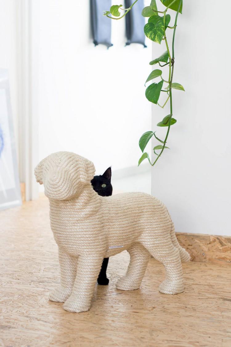 Elegant Puppy Post