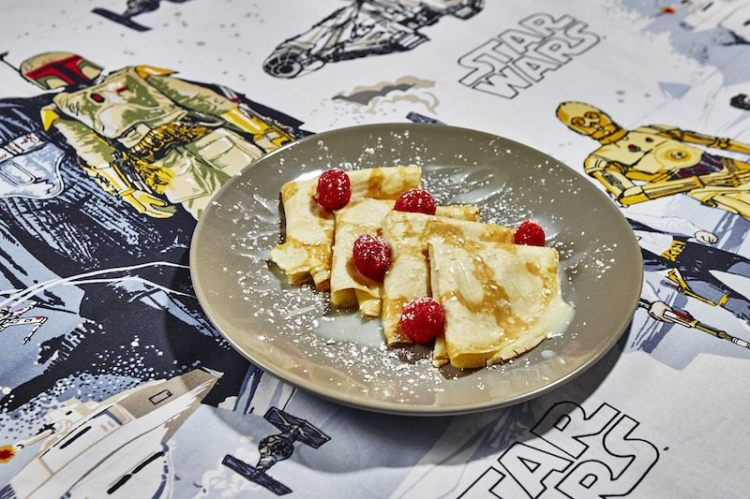 Wookie_Wasaka_Berry_Crepes