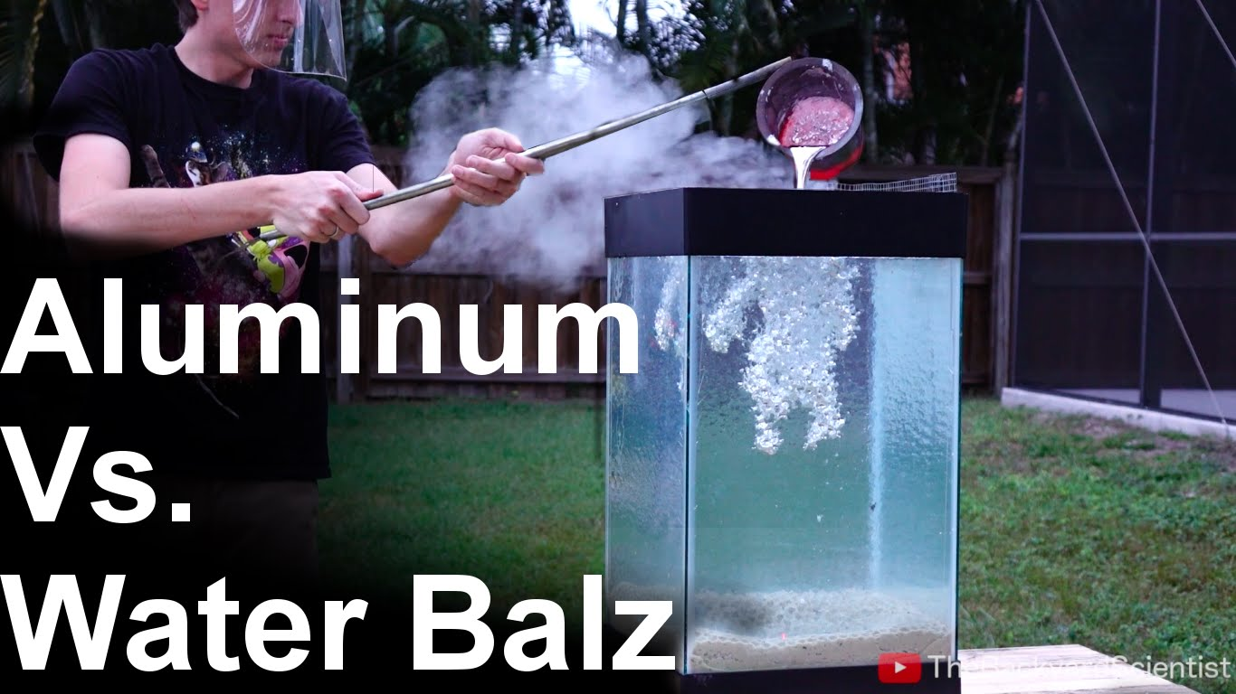 The Backyard Scientist Pours Molten Aluminum Into a Tank of Water Beads to Create Unique Metal Designs