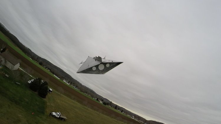 Star Destroyer Flying
