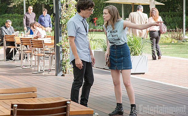 Apatow Love Gillian Jacobs Pointing