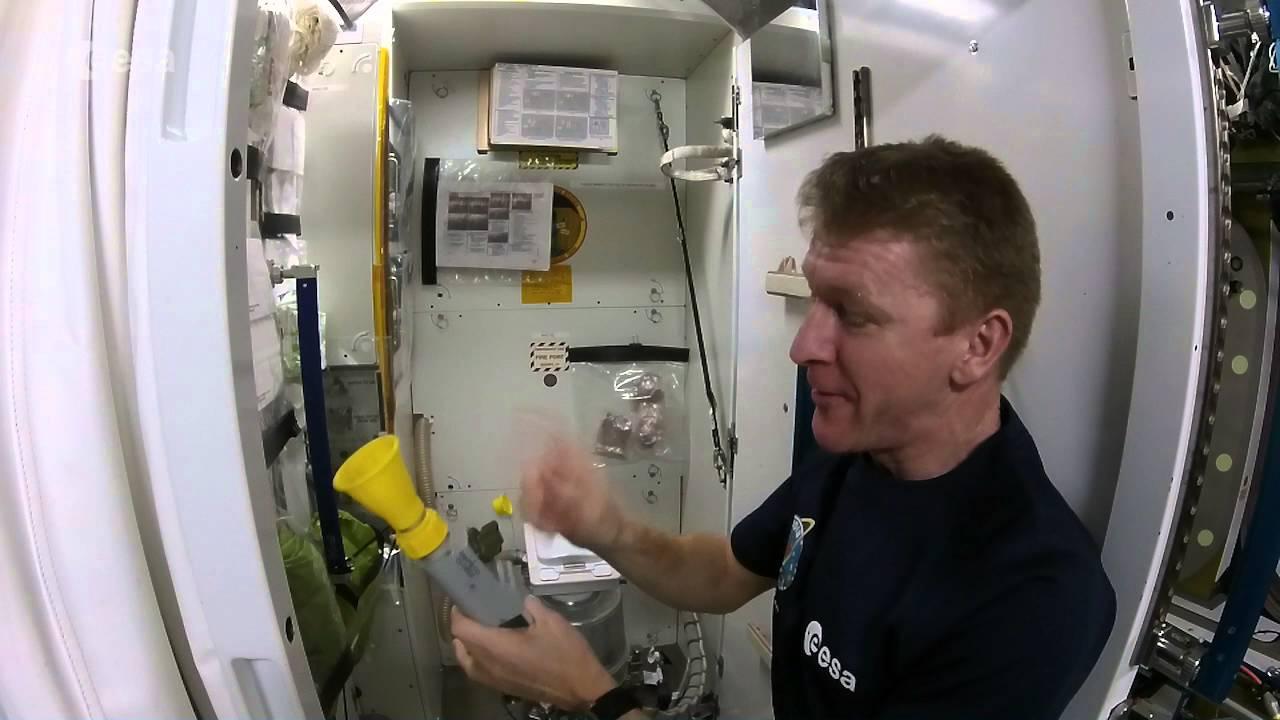 British Astronaut Tim Peak Explains How Astronauts Pee and ...