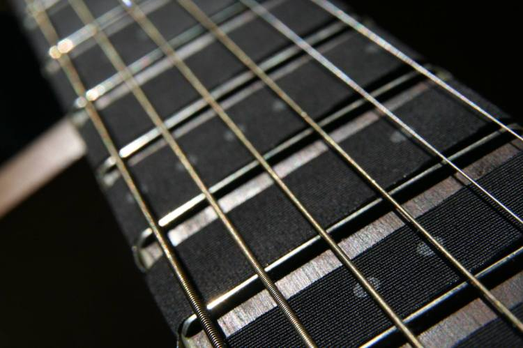 A Markable Guitar Fretboard Sleeve That Adds Handy Visual