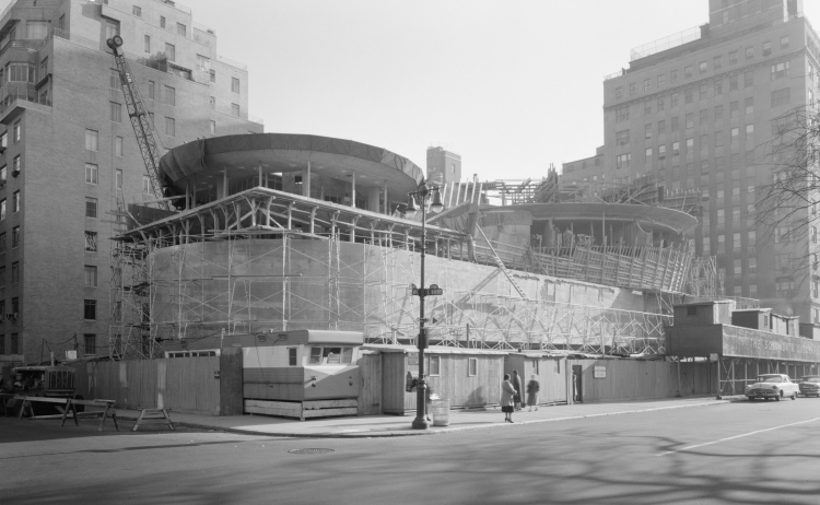 Guggenheim_Museum_construction_LOC_gsc.5a25494