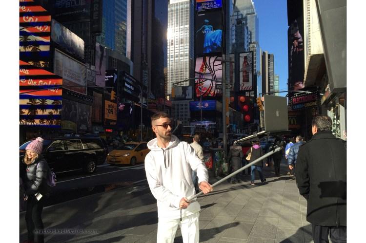 Macboo Selfie Stick Times Square
