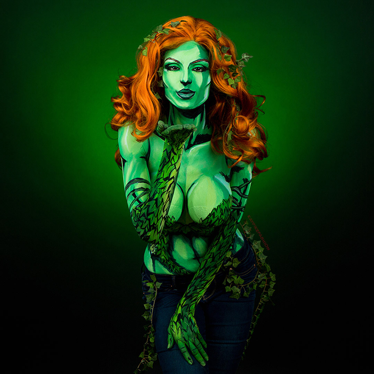 Time Lapse Video Of Artist Painting A Poison Ivy Costume