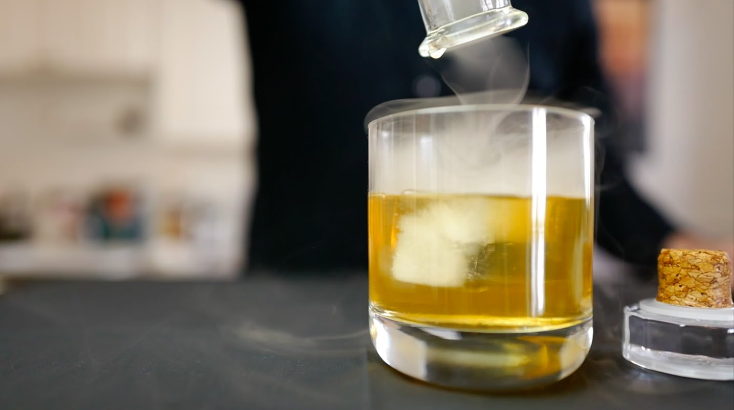 How To Inexpensively Create an Elegantly Smoked Cocktail