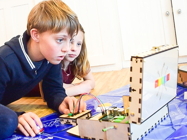 Kids Using Piper Raspberry Pi Kit