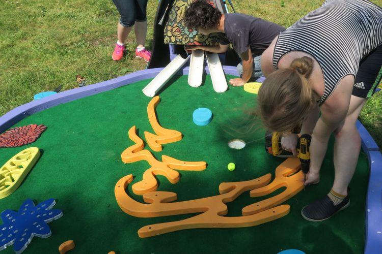 Human Cell Mini Golf Finishing Touches