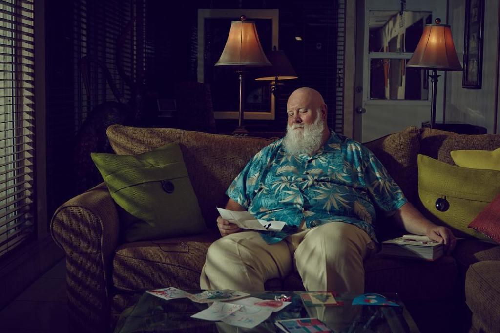 Off-Season Santas, An Amusing Photo Series That Shows How Santa Claus Spends His Down Time