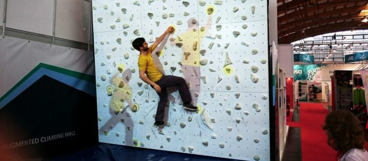 Augmented Climbing Wall Porjection