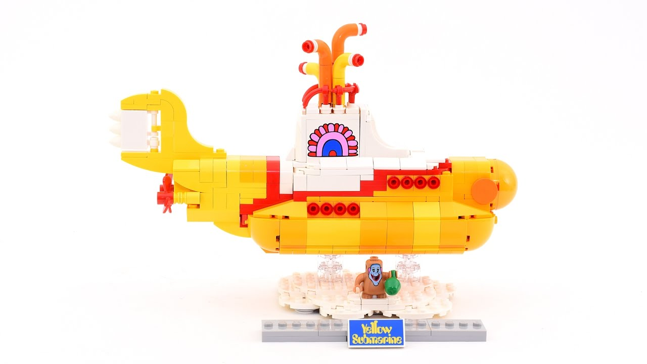 Smooth Stop Motion Animation of the 553 Piece LEGO Beatles Yellow Submarine Set Being Built