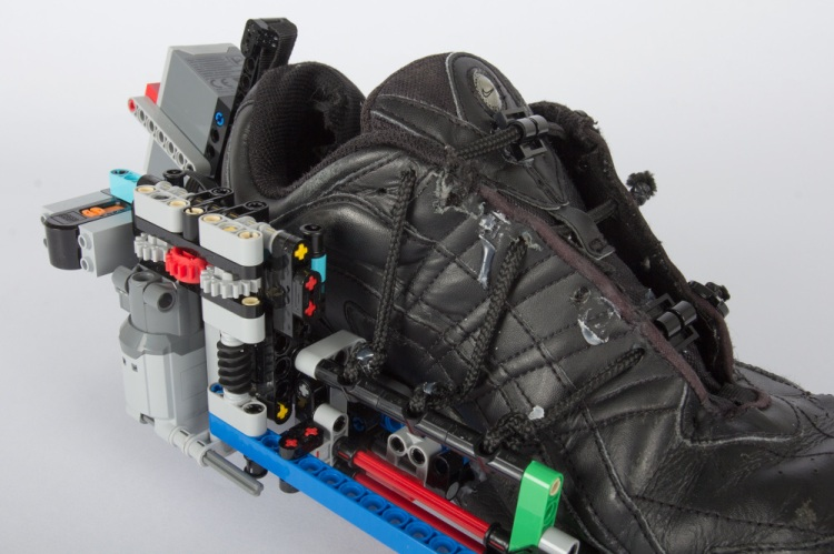LEGO Sneaker Close on Mechanics